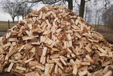 Palivové dřevo měkké naštípané