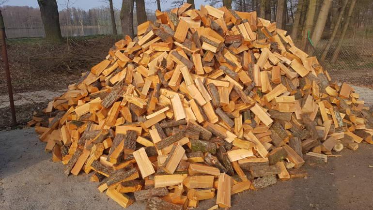 Palivové dřevo olše naštípané